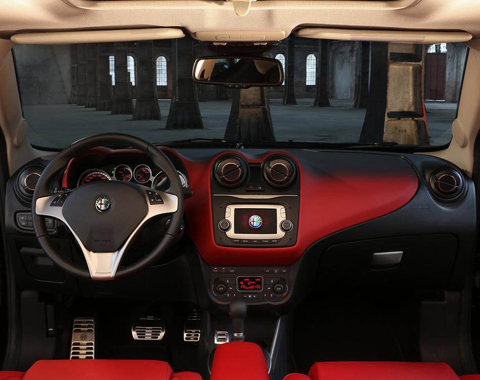 2014 Alfa Romeo MiTo Interior