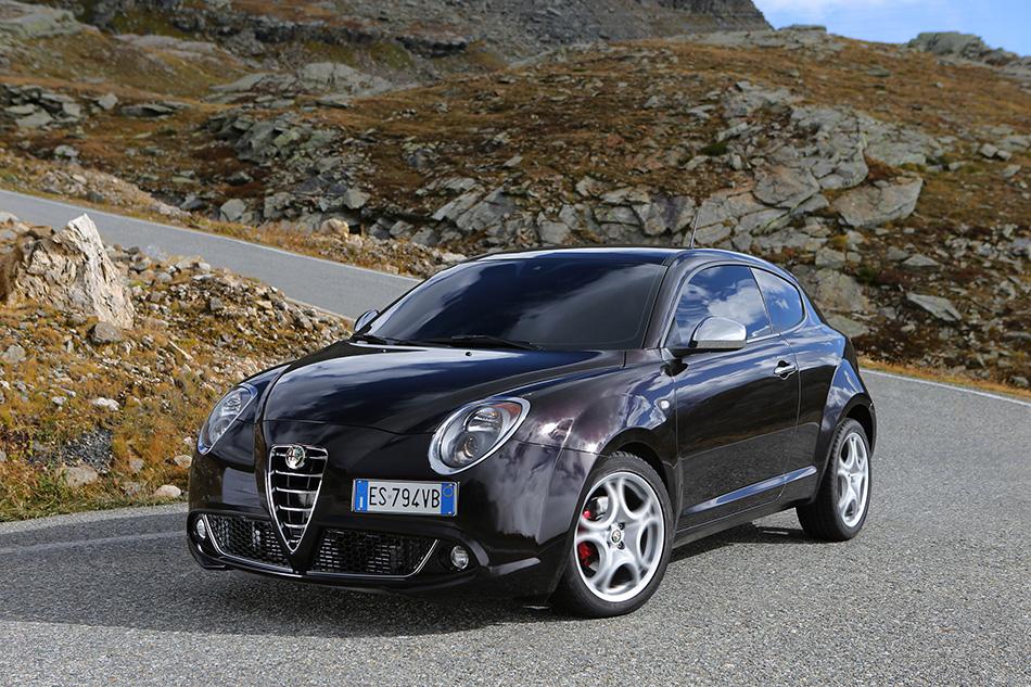 2014 Alfa Romeo MiTo Front Angle