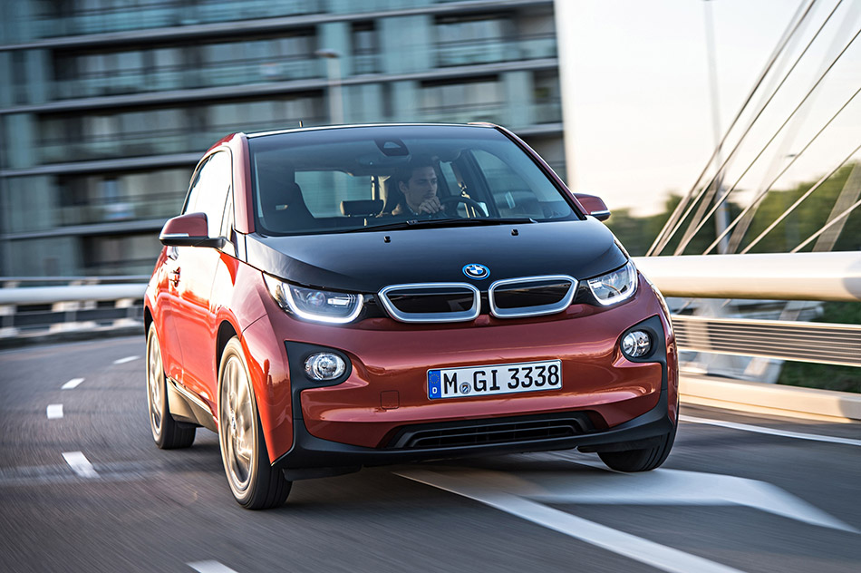 2014 BMW i3 Front Angle