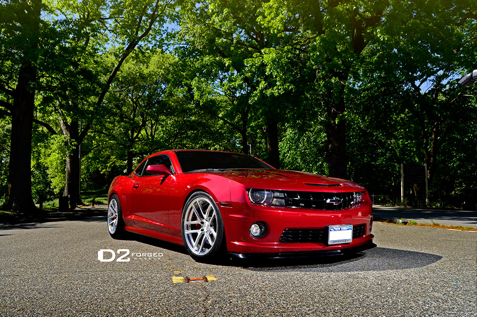 2013 D2Forged Chevrolet Camaro SS MB1 Front Angle
