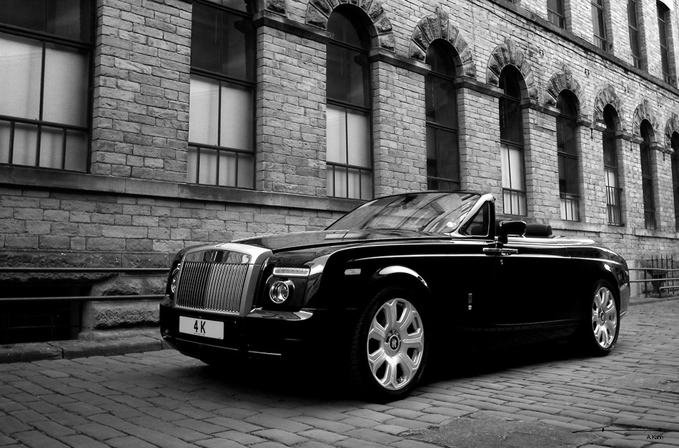 2009 Kahn Rolls-Royce Phantom Drophead Coupe Front Angle