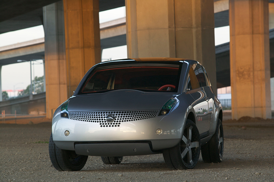 2004 Nissan Actic Concept Front Angle