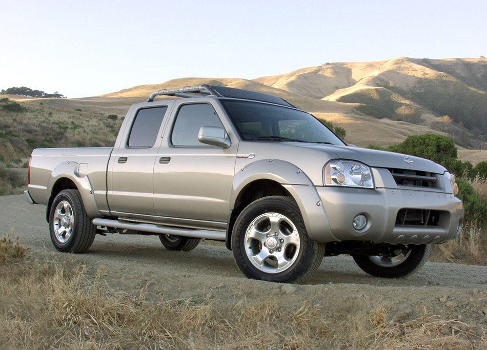 2004 Nissan Frontier Front Angle