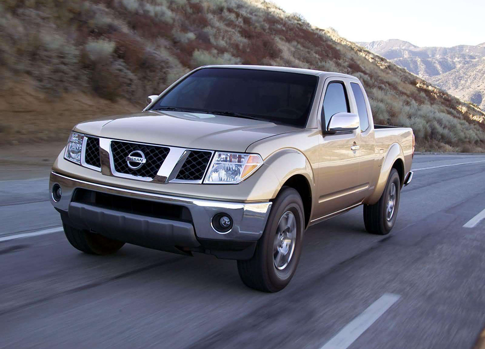 2005 Nissan Frontier Front Angle