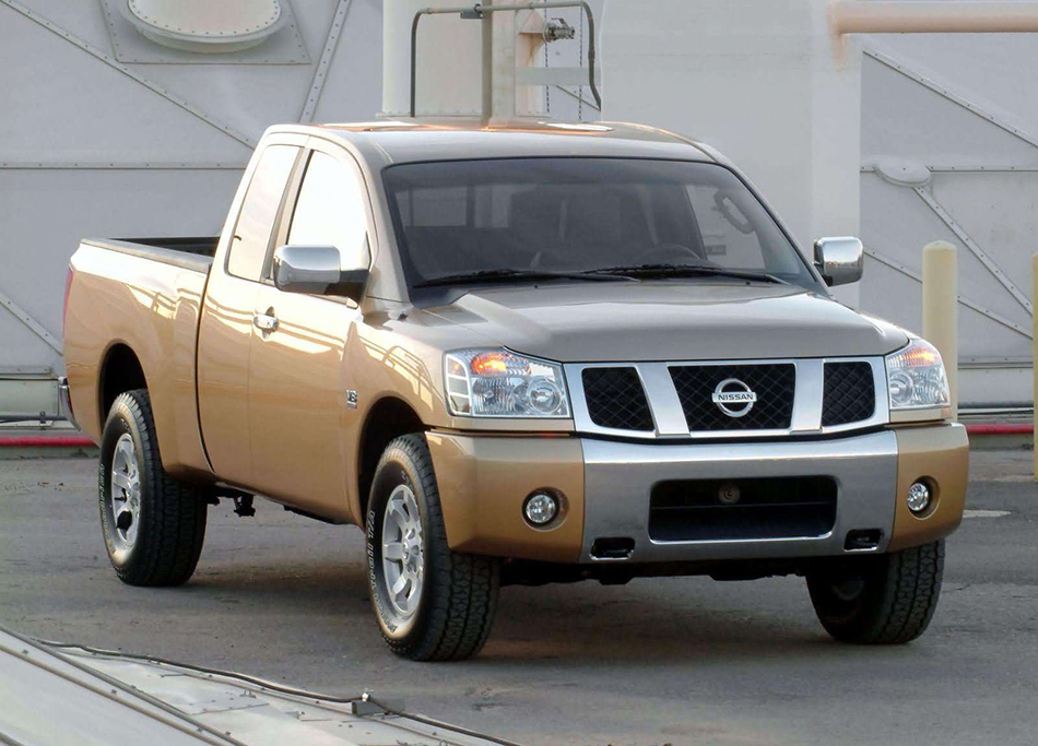 2004 Nissan Titan Front Angle