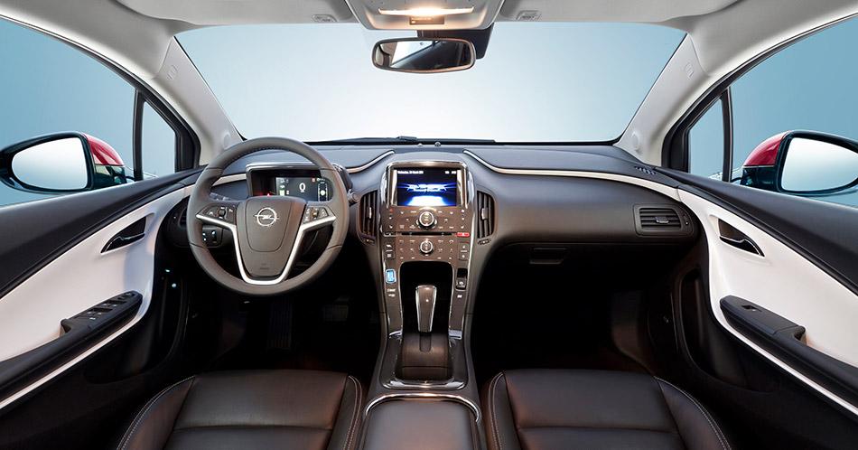 2013 Opel Ampera Interior