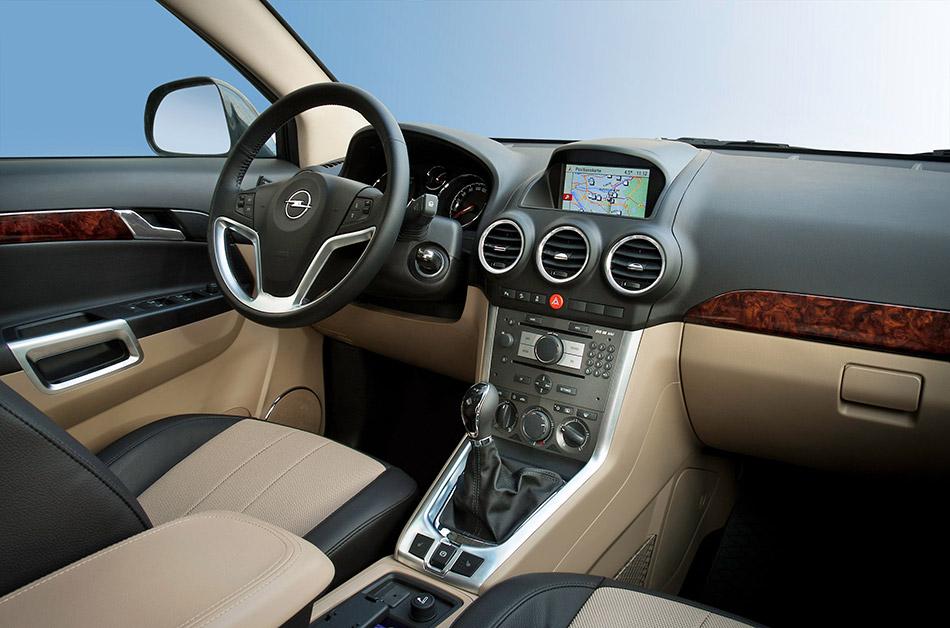 2013 Opel Antara Interior