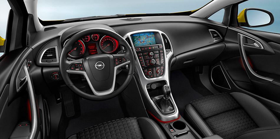 2013 Opel Astra GTC Interior