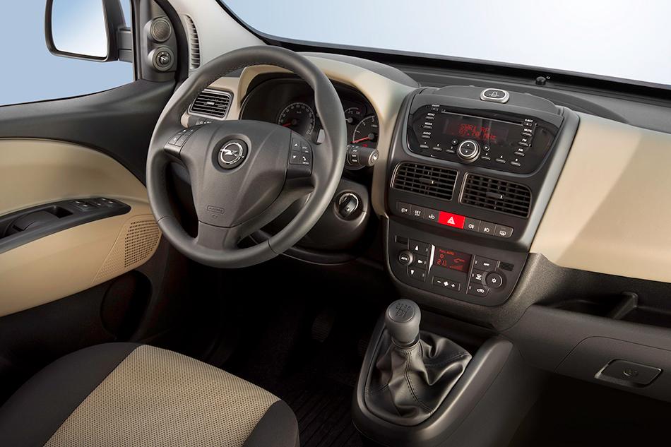 2013 Opel Combo Interior