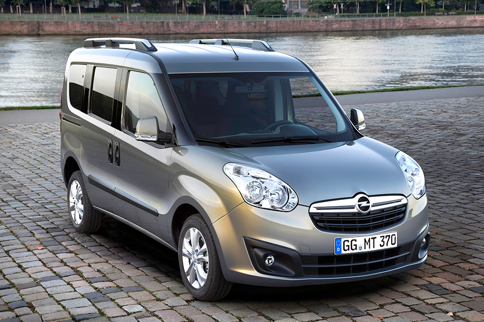 2013 Opel Combo Front Angle