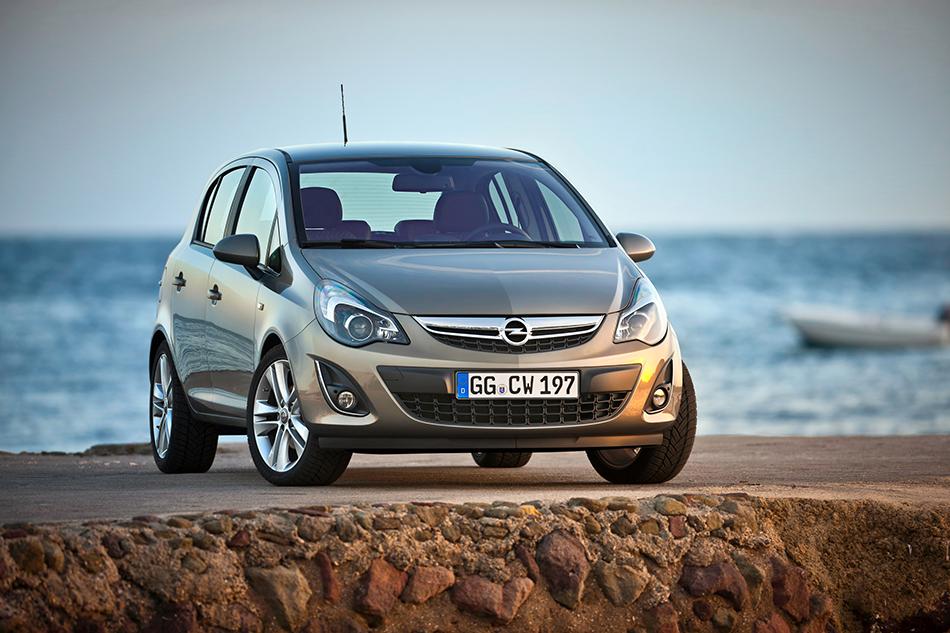 2011 Opel Corsa Front Angle