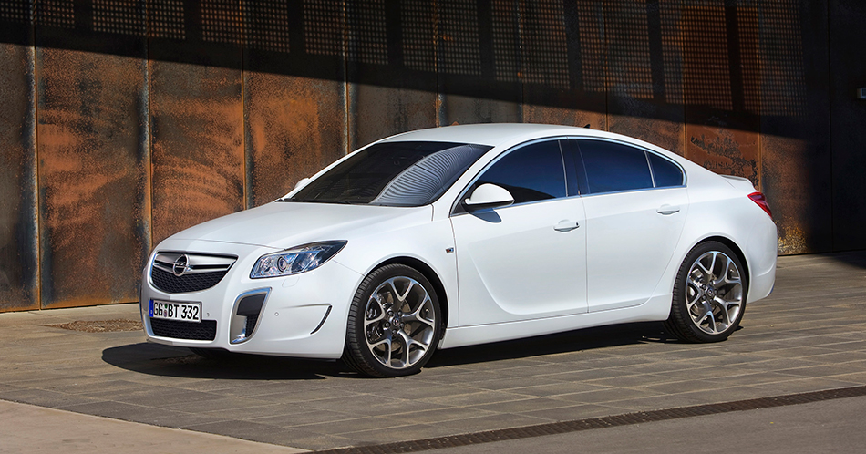 2009 Opel Insignia OPC Front Angle