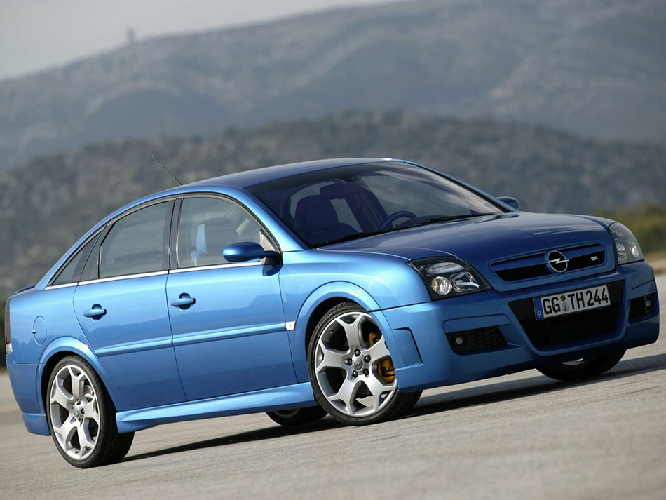 2003 Opel Vectra OPC Front Angle
