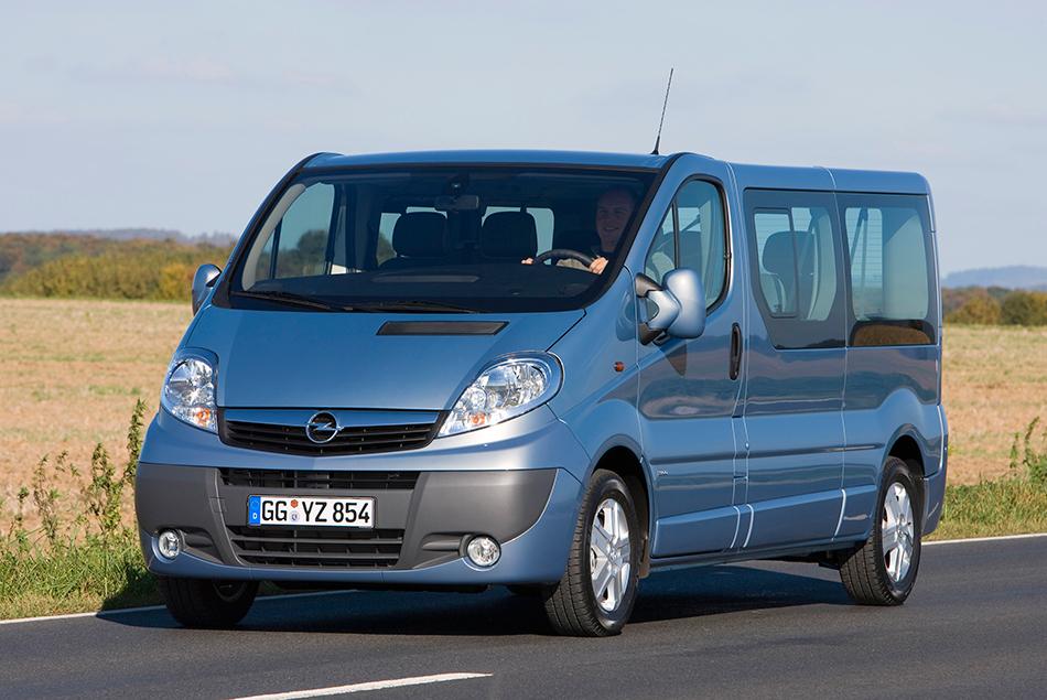 2009 Opel Vivaro Front Angle
