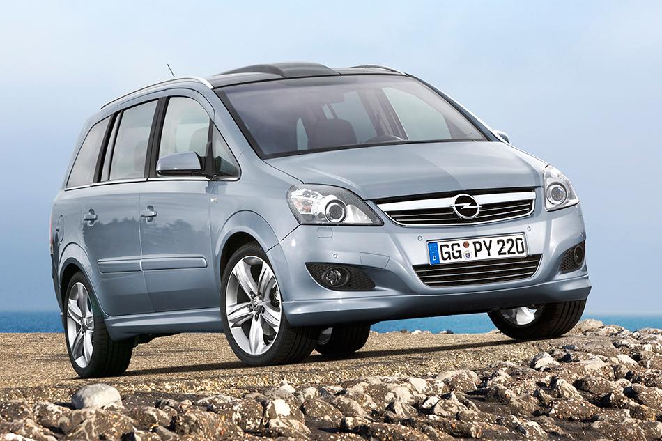 2008 Opel Zafira Front Angle