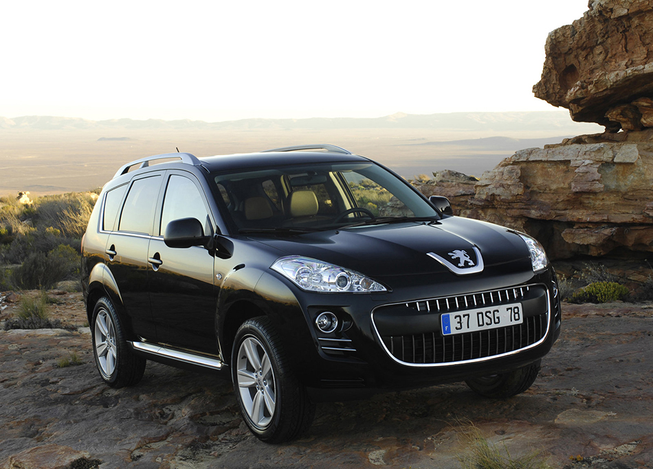 2007 Peugeot 4007 Front Angle