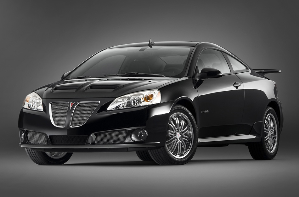 2008 Pontiac G6 GXP Front Angle