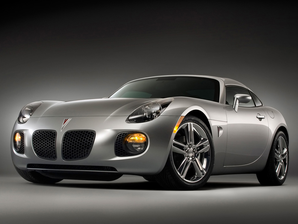 2009 Pontiac Solstice Coupe Front Angle