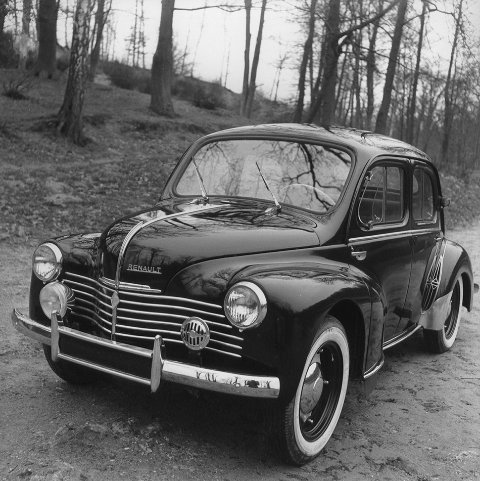 1947 Renault 4CV Front Angle