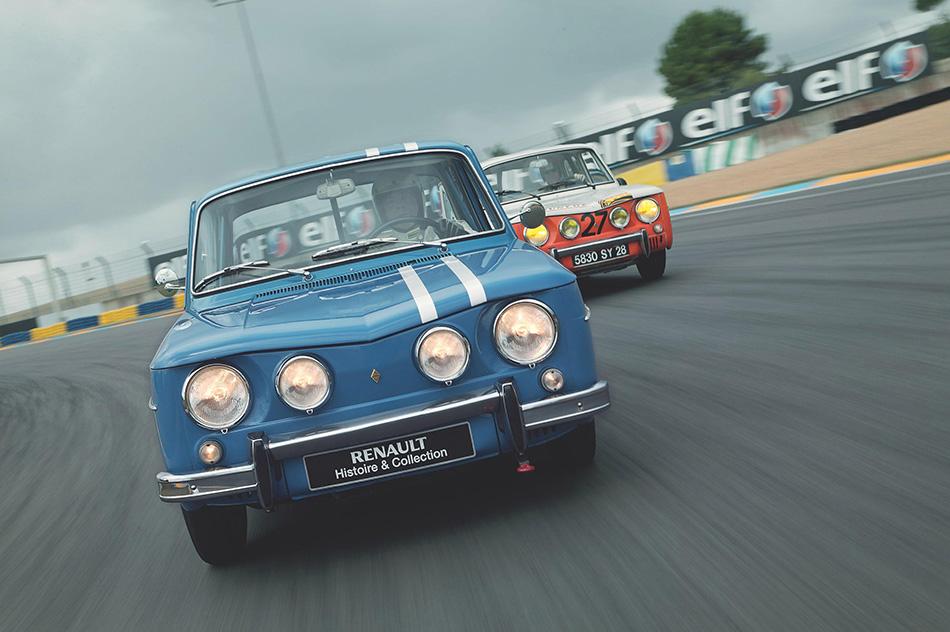 1962 Renault 8 Front Angle