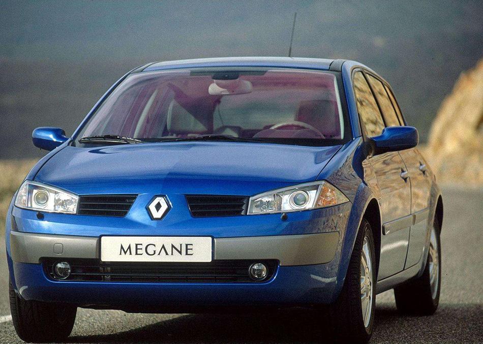 2003 Renault Megane II Hatch Front Angle