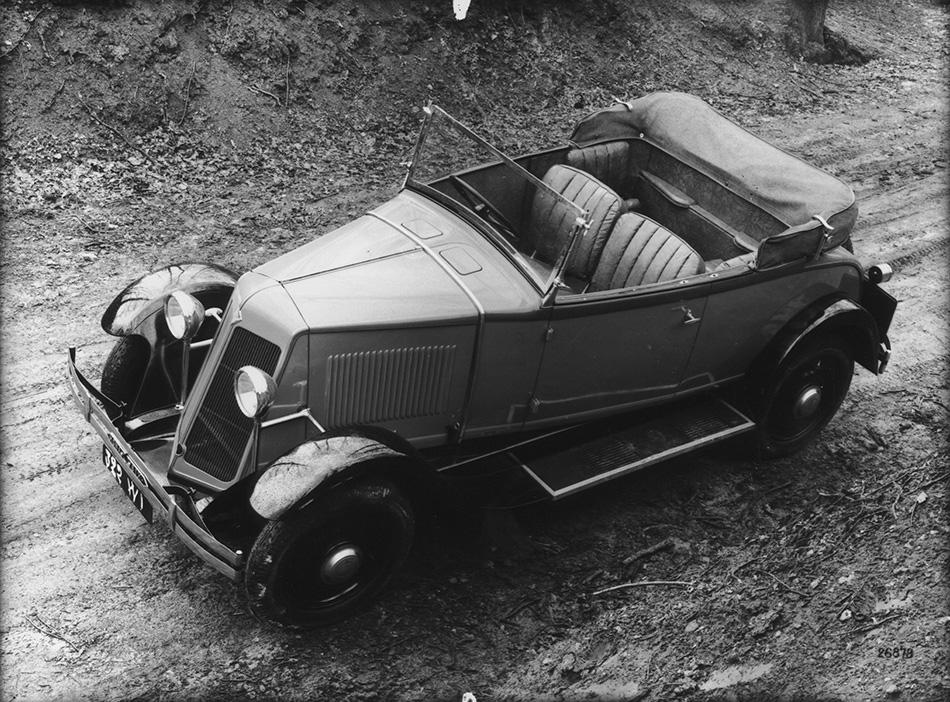 1928 Renault Monasix Front Angle