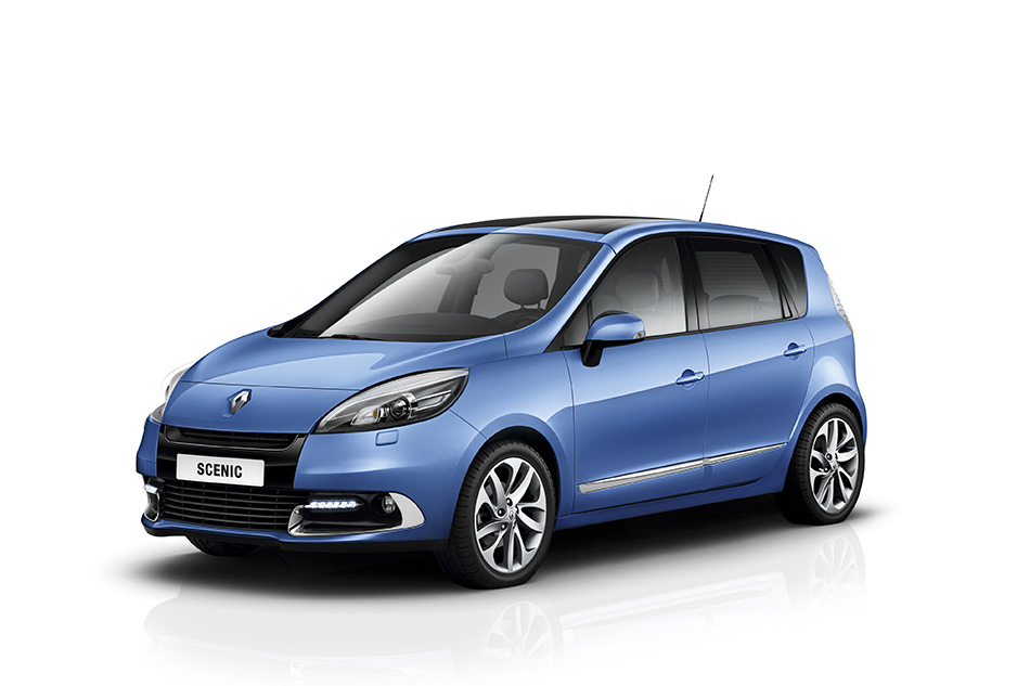 2012 Renault Scenic Front Angle