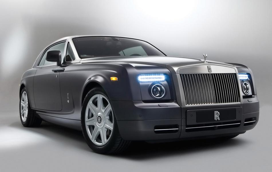2009 Rolls-Royce Phantom Coupe Front Angle
