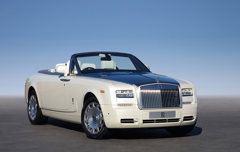 2013 Rolls-Royce Phantom Drophead Coupe Series 2 Front Angle