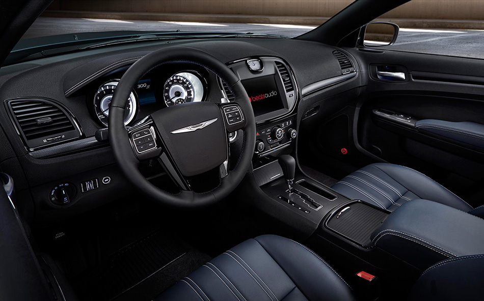 2014 Chrysler 300S Interior