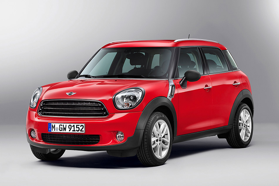 2013 MINI Countryman Front Angle