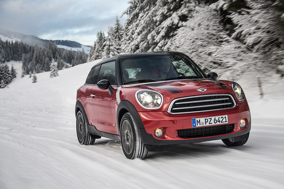2014 MINI Paceman ALL4 Front Angle