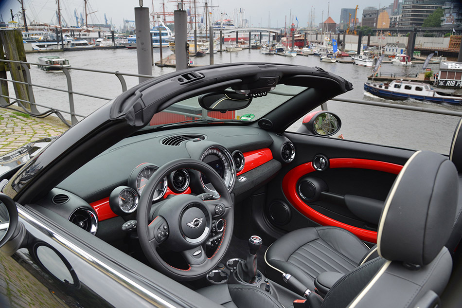 2013 MINI Roadster Interior
