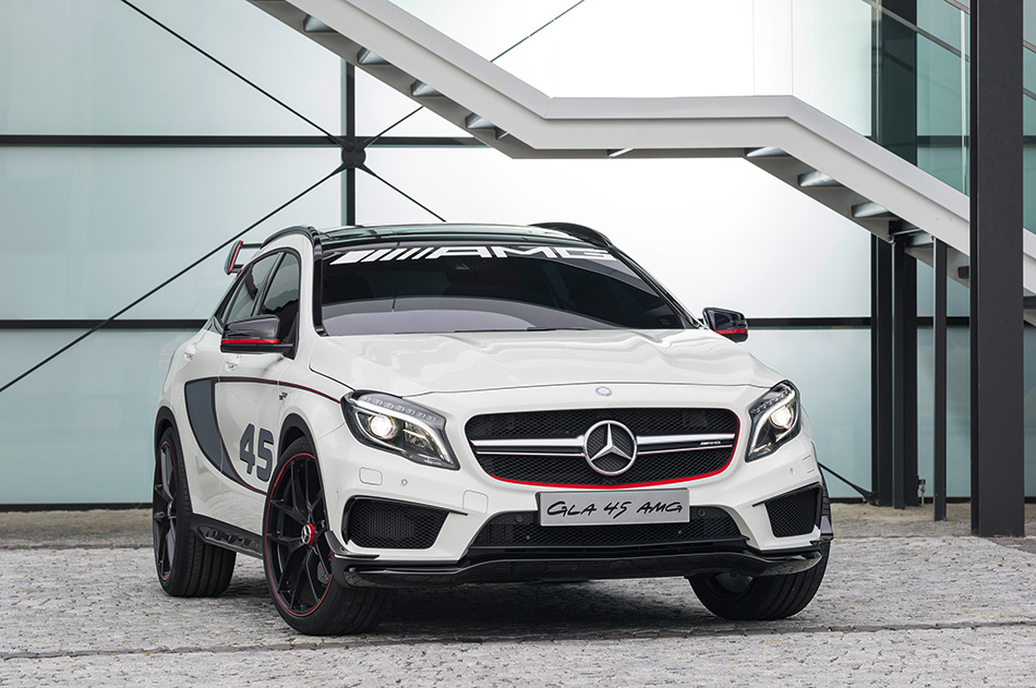 2013 Mercedes-Benz GLA 45 AMG Concept Front Angle