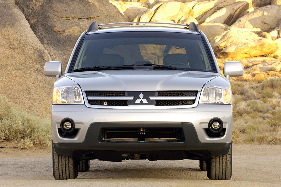 2006 Mitsubishi Endeavor Front Angle