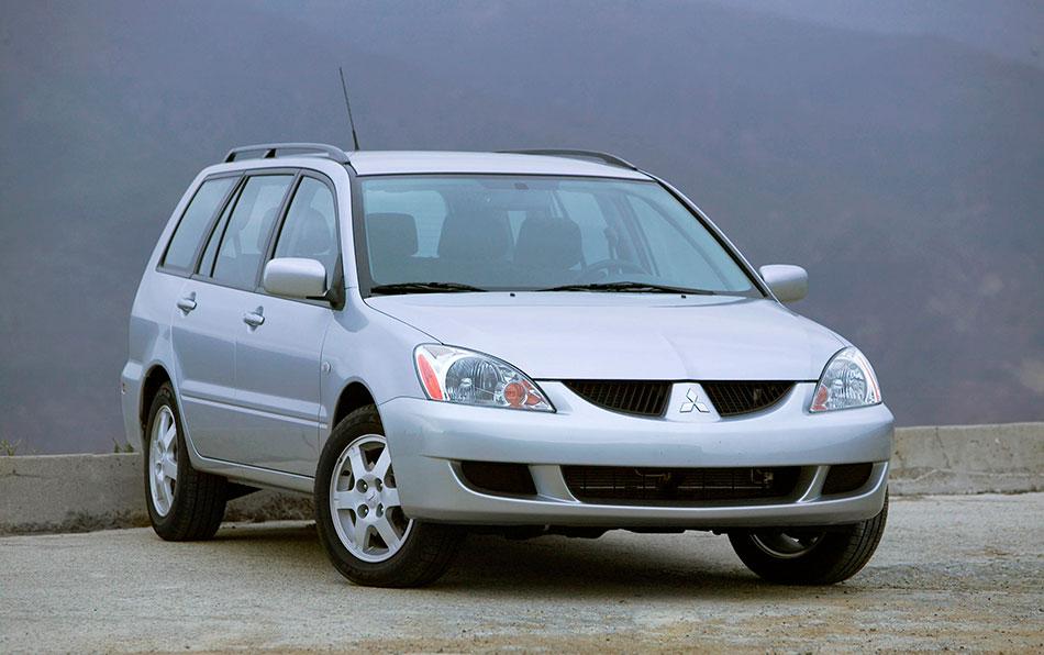 2004 Mitsubishi Lancer Sportback Front Angle