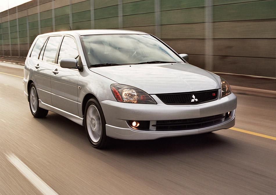 2006 Mitsubishi Lancer Sportback Front Angle