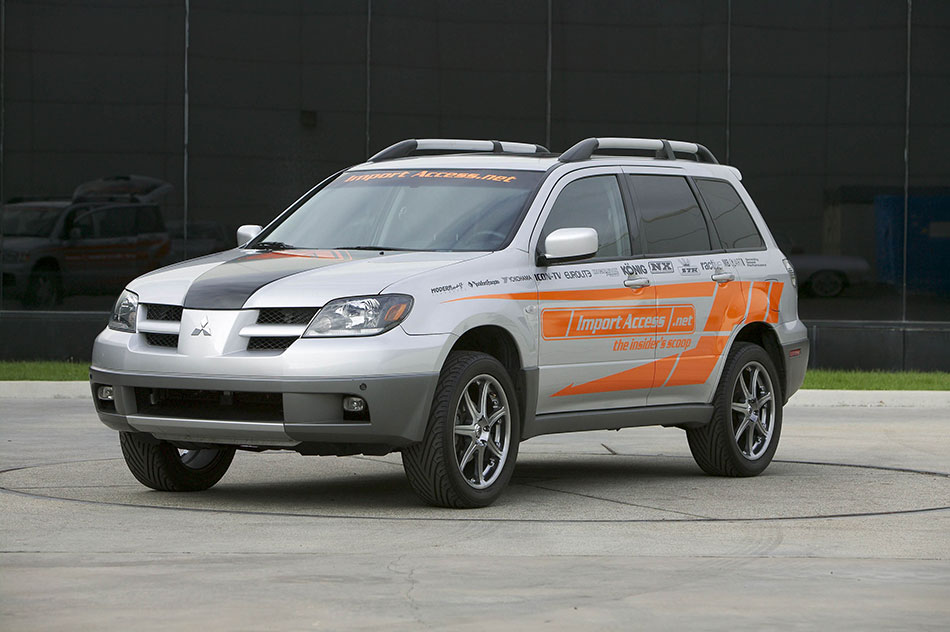 2004 Mitsubishi Outlander Front Angle