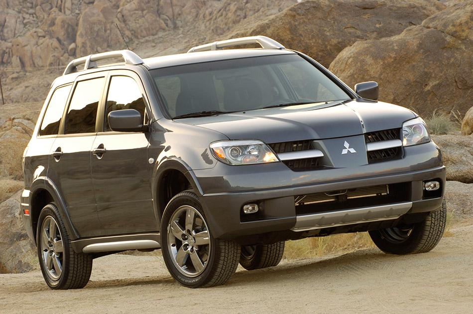2006 Mitsubishi Outlander Front Angle