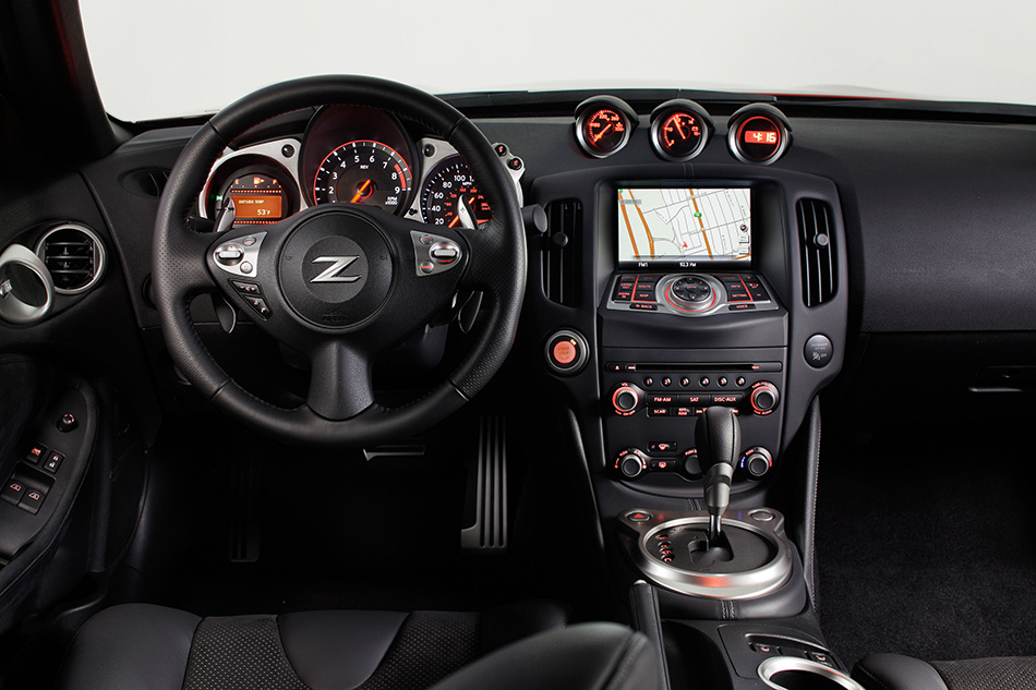 2013 Nissan 370Z Interior