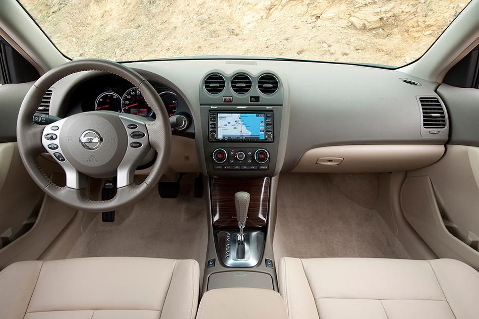 2011 Nissan Altima Hybrid Interior