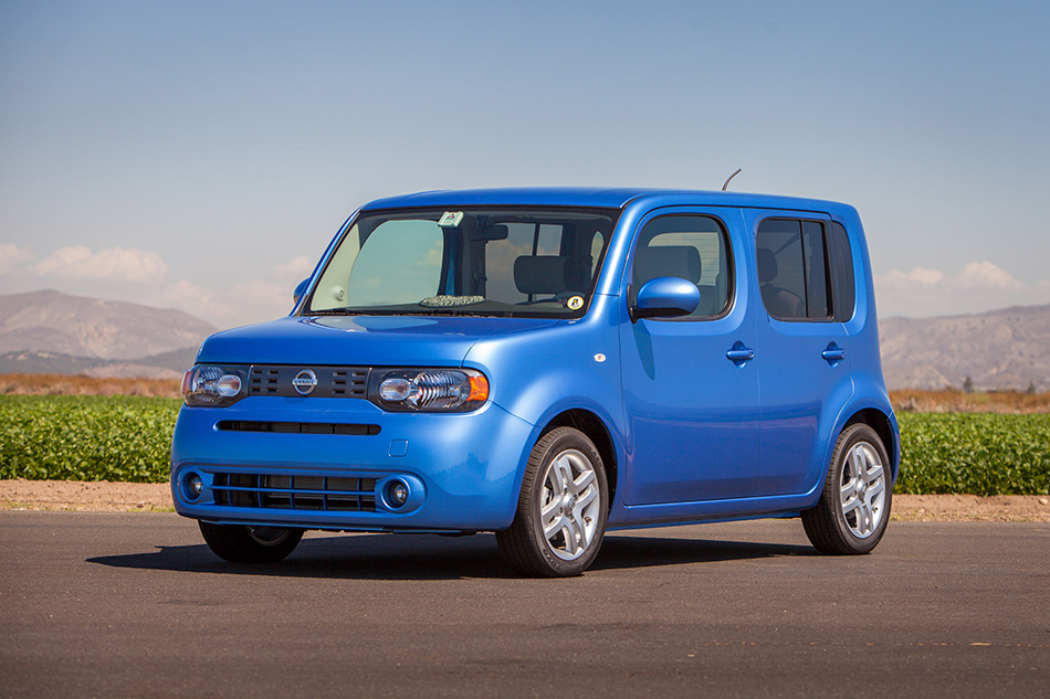 2014 Nissan Cube Front Angle
