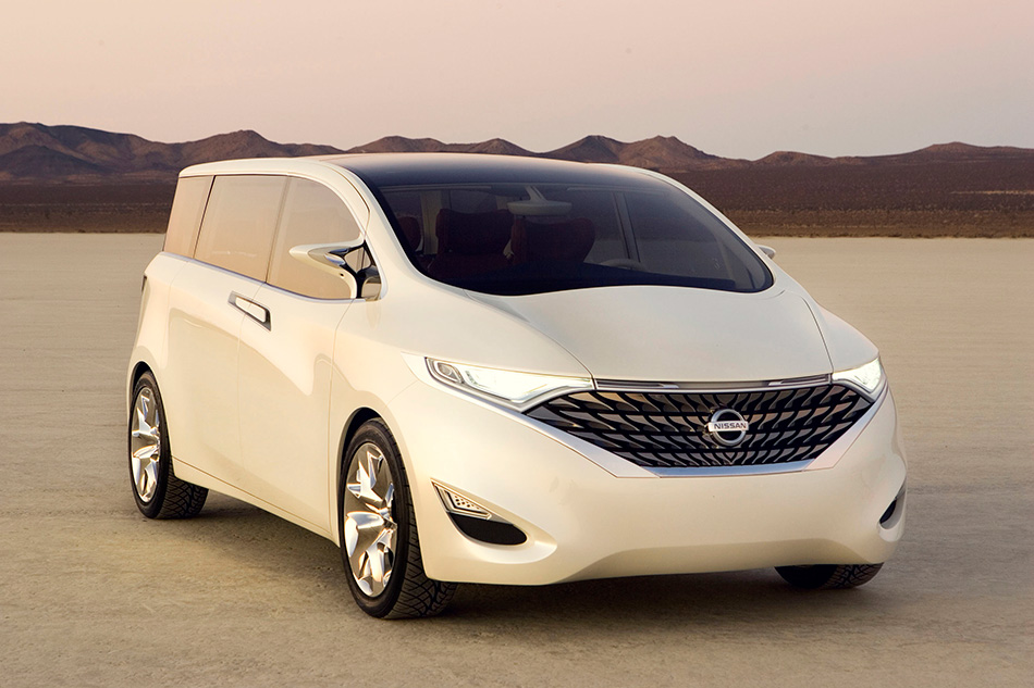 2008 Nissan Forum Concept Front Angle
