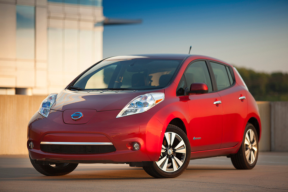 2013 Nissan LEAF Front Angle