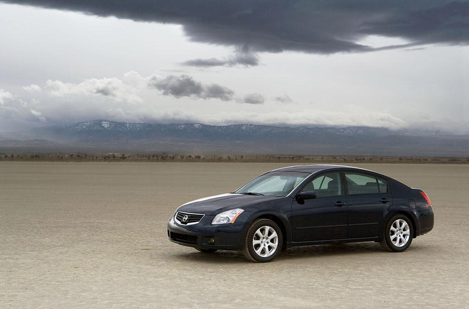 2008 Nissan Maxima Front Angle
