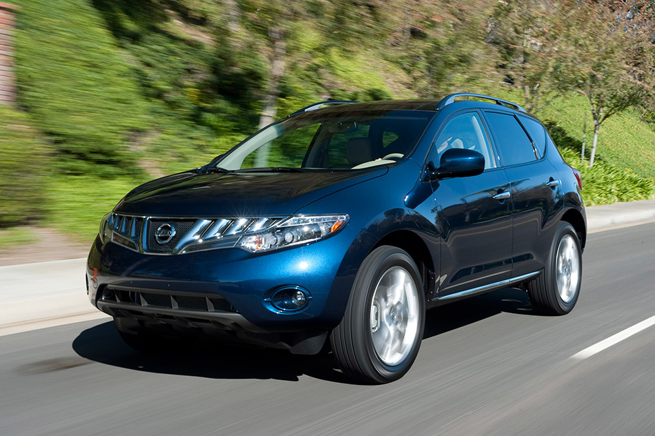 2010 Nissan Murano Front Angle