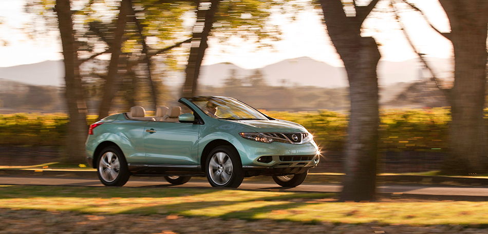 2012 Nissan Murano CrossCabriolet Front Angle