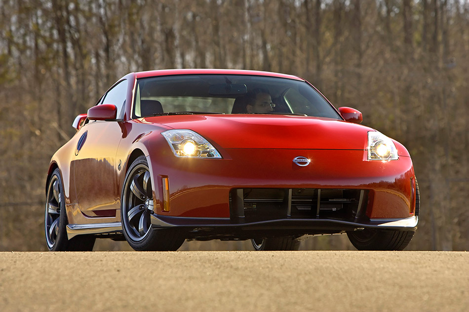 2007 Nissan NISMO 350Z Front Angle