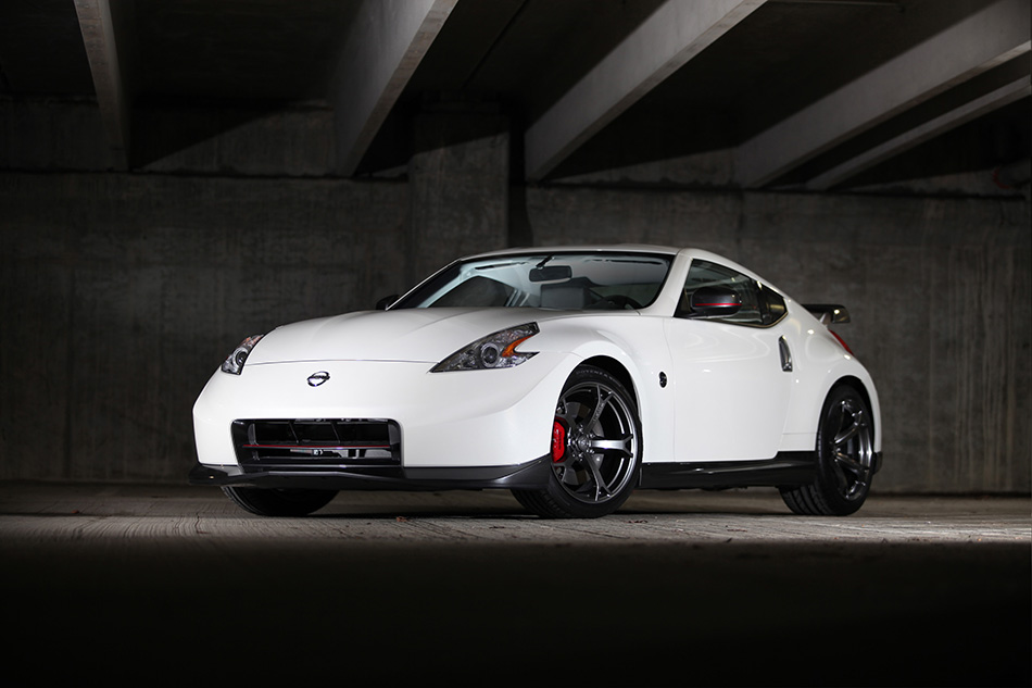 2014 Nissan NISMO 370Z Front Angle