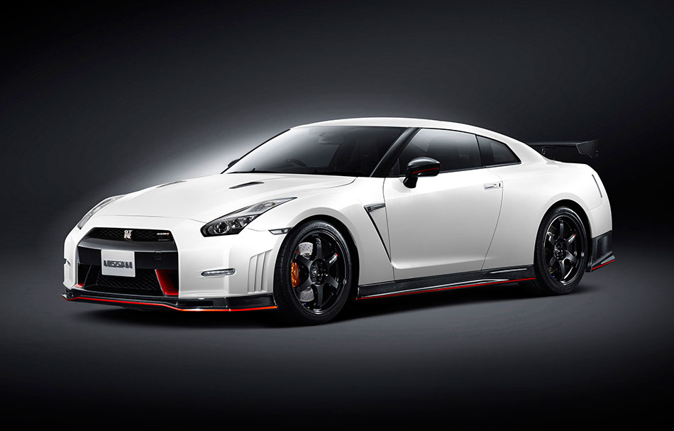 2015 Nissan NISMO GT-R Front Angle